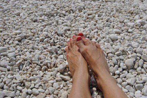 feet-1817792__340