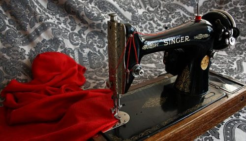 sewing-machine-1806100__340