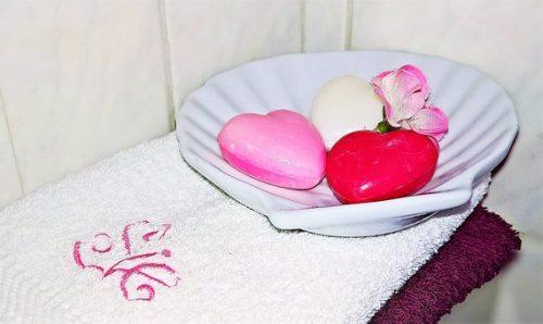 soap-2143940__340