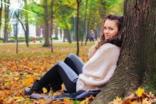 girl-lying-down-2042581_960_720