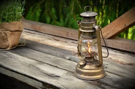 kerosene-lamp-1453994__340