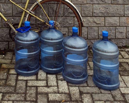 water-bottles-2434727_960_720