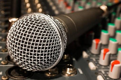 microphone-626618__340