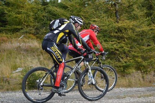 mountain-bikes-1228878__340